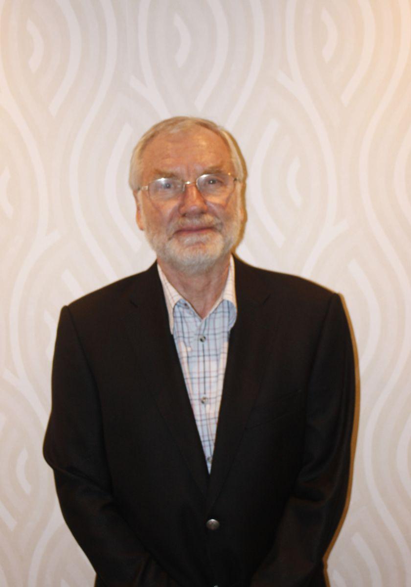 Dr Georges De Muelenare