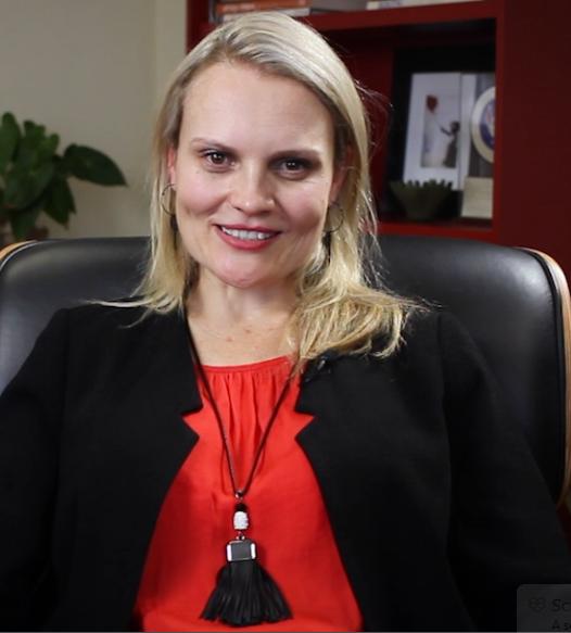 Dr Elna Rudolph